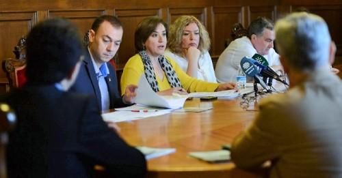 La Junta pide al Gobierno que no condene al amarre a la flota de arrastre de la Costa y garantice su viabilidad_