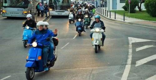 Más de 150 participantes en Vespa recorren el sur de la provincia en la V Ruta Costa Tropical 2018.jpg
