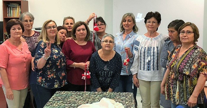 Mujeres de Las Angustias y Cuartel de Simancas participan en sendos talleres sobre cultura y tradiciones rumanas.jpg