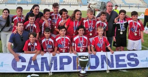 El Colegio Reina Fabiola, campeón de la Liga Escolar de Fútbol 7 de Motril.jpg