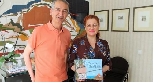 El entorno natural de Salobreña inspira la última obra de José villena 'Vacaciones en Rocasalada'.jpg