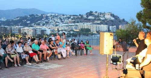 Este jueves se inicia el ciclo de recitales poéticos de Artex, 'Poemas de Luna'.png