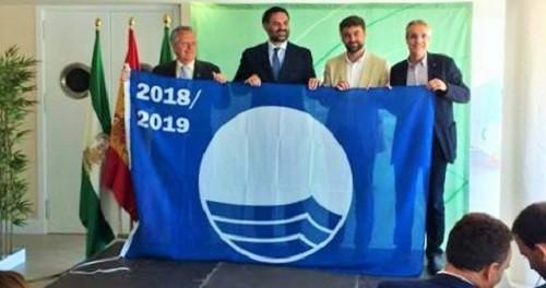 Marinas del Mediterráneo recoge las banderas azules que ondearán en sus tres puertos deportivos