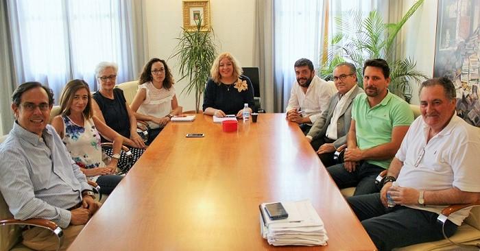 Reunión con la Asociación de Vecinos de Playa Granada.jpg