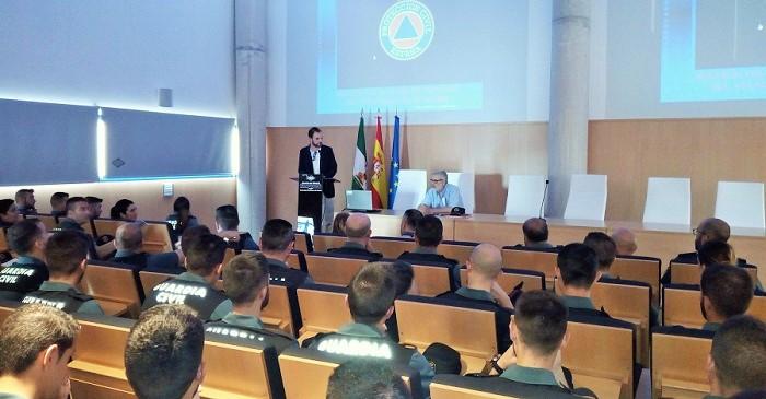 Agentes de la Guardia Civil se forman sobre seguridad en la OPE 2018.jpg
