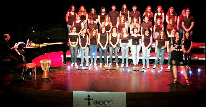 Éxito del concierto solidario del Coro Juvenil Voces Blancas de San Blas en el Teatro Calderón.jpg