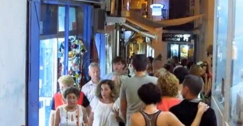Este sábado el comercio del centro comercial sexitano celebra su primera 'shopping night' del verano.jpg