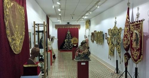 Exposición 'XXV Años de Victoria' en la Casa de la Condesa de Torre Isabel.jpg