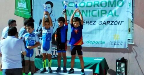 Buena actuación de la Escuela Ciclista Sexitana en Santa Fe