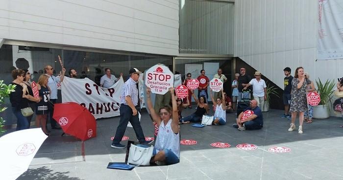 Concentración de Stop Desahucios Granada.jpg