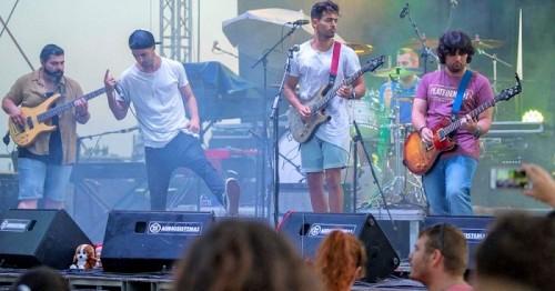 El Festival Rockholera llena la Feria del Día de Motril del mejor rock y pop