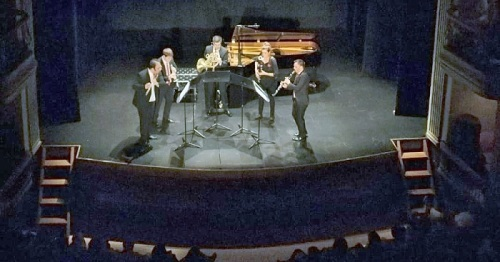 Arranca Música Sur con un colosal concierto inaugural en el Calderón que emociona a un entregado público