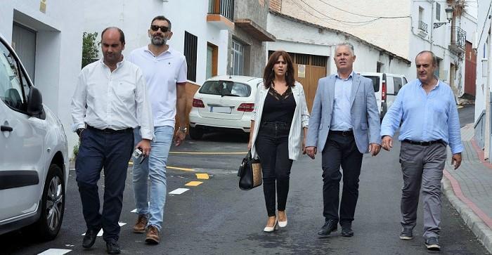 Diputación invierte 77.000 euros en el asfaltado de las principales calles del casco urbano de Molvízar.jpg
