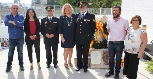 La Policía Nacional de Motril rinde homenaje a los agentes fallecidos.jpg