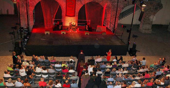 Parados Teatro con Medea inaugura este martes el X Festival de Teatro Grecolatino 'Sexi Firmum Iulium'
