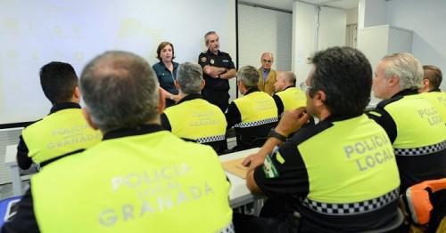Policía locales reciben formación para reforzar los controles sobre el consumo de drogas al volante.jpg