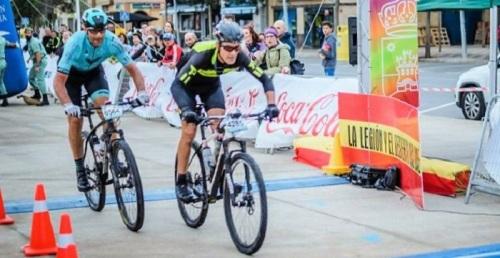 Buenas marcas de los ciclistas sexitanos en La Desértica y el Desafío del Buda.jpg