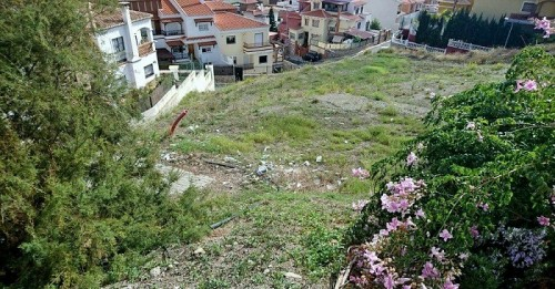 Ciudadanos Motril pide el vallado y limpieza de los solares y miradores de la rotonda del Hospital