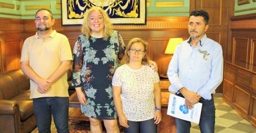 Ecoruycan entrega en el Ayto. de Motril la recaudación de la campaña solidaria en favor de la niña Lucía Díaz Folgoso.jpg