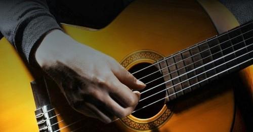 Guitarra española o flamenca