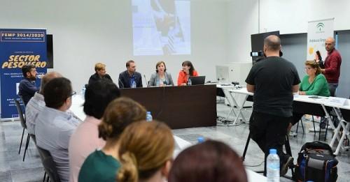 La Junta anima a las mujeres a emprender en el sector pesquero para contribuir a modernizarlo.jpg