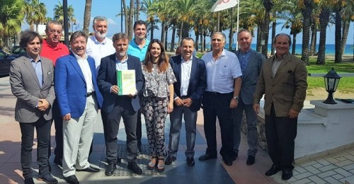 La Junta presenta la 'Guía sobre criterios de gestión para las ocupaciones del dominio público marítimo-terrestre'.jpg