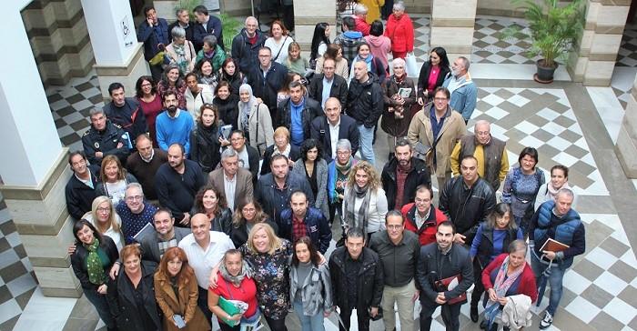 Motril_Foto de familia tras la creacíon de las Comisiones Locales de Impulso Comunitario.jpg