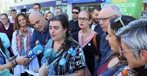 Motril_Sandra Álvarez lee el manifiesto con motivo del Día Mundial de la Salud Mental.jpg