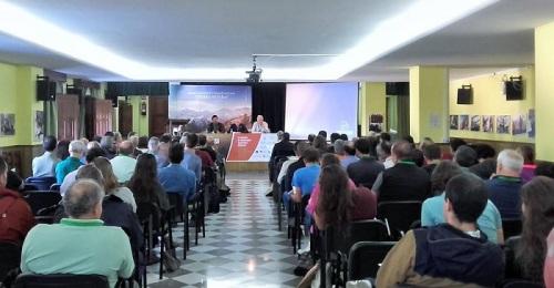 Un centenar de profesionales participan en Capileira en la IX Reunión de Ungulados Silvestres Ibéricos.jpg