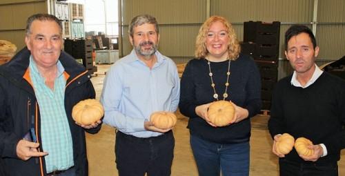 Almón yEscámez visitan Frutos Los Pisaos, empresa motrileña referente en productos hortofrutícolas ecológicos.jpg