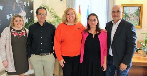 Convenio de colaboración entre el Ayto. de Motril y la Asociación de Familiares de Enfermos de Alzhéimer 'CONTIGO'.jpg