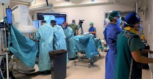 Dos intervenciones en Granada de cirugía vascular son retransmitidas en directo para Madrid, Berlín y Chicago.jpg