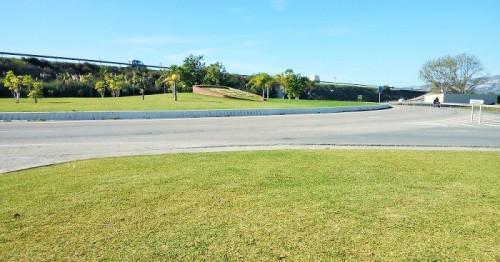 El miércoles 28 se acometerá el asfaltado de la rotonda de la carretera del puerto a la altura de la N-340.jpg