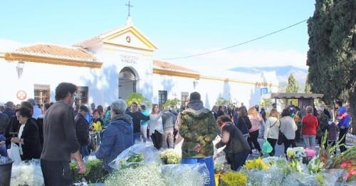 Emoción, respeto, cariño y recuerdo en el concierto de la Joven Orquesta Ciudad de Motril en el Cementerio de Motril