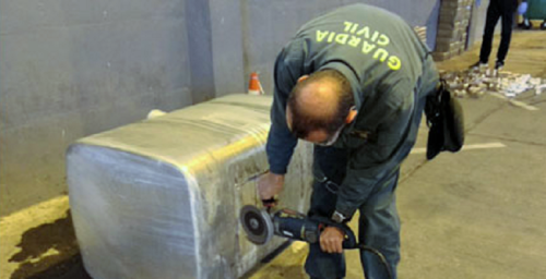 La Guardia Civil de Granada localiza 3 dobles fondos con 728 kilos de hachís en un camión procedente de Marruecos.png