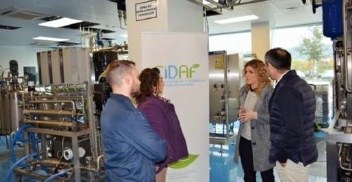 La Junta resalta la tecnología de la planta piloto del CIDAF para prestar servicio a empresas del sector alimentario.jpg