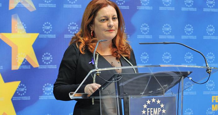 Mª Eugenia Rufino en los premios a las mejores prácticas locales contra la Violencia de Género.png