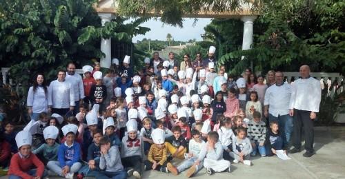 Más de 150 escolares de Motril y Calahonda aprenden a cocinar sano con productos de la tierra.jpg