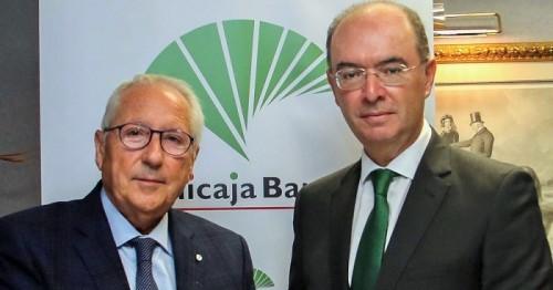 Unicaja Banco renueva su convenio con la Asociación Española de Productores de Frutas Tropicales.jpg