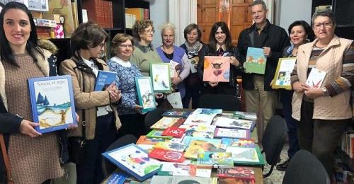 'La Mochila Violeta' llega cargada de libros a las bibliotecas de 40 municipios de la provincia.jpg