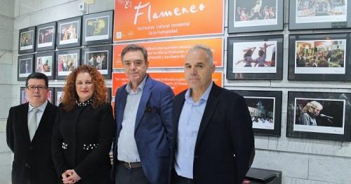 Presentado el libro conmemorativo del '50 aniversario del Festival Flamenco Lucero del Alba'.jpg