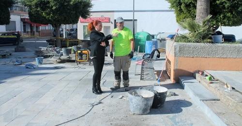 Comienzan los trabajos de mejora de la plaza del Ayuntamiento de Salobreña
