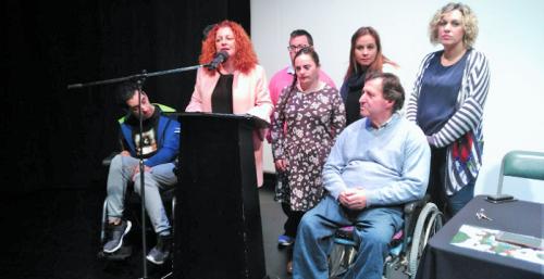 Dos jóvenes cuentan en Salobreña su experiencia en el Día Internacional de la Discapacidad.png