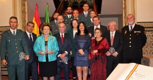 La Subdelegación reconoce la labor del comisario jefe de la Comisaría de Motril en el 40 aniversario de la Constitución.jpg