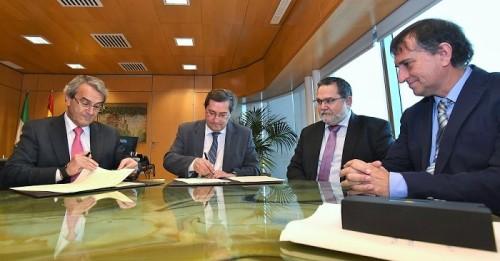 Diputación y Caja Rural cierran un acuerdo para acabar con la exclusión financiera en 34 municipios.jpg