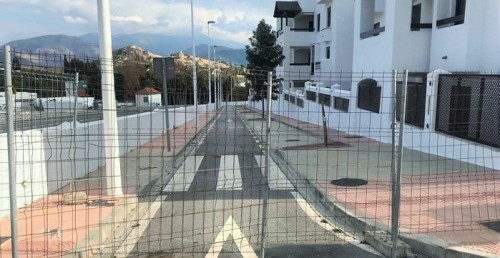 El PP pide se recepcionen las calles cerradas en la nueva urbanización junto a la Casa Roja y abrirlas al paso.jpg