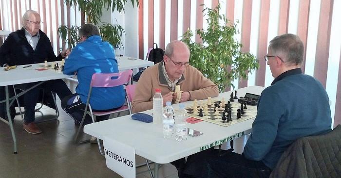 Los ajedrecistas motrileños brillan en el inicio del Campeonato Provincial Juvenil y Veterano.jpg