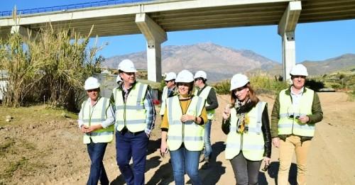 medio ambiente desarrolla trabajos de limpieza en cauces de 27 municipios de granada