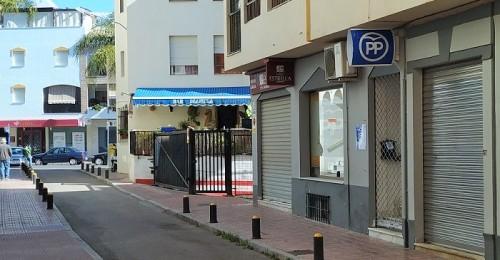 obras de mejora en la calle de la sede del pp en almuñécar