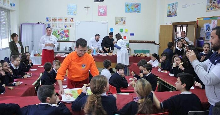 Alumnos del Colegio Santo Rosario de Motril participan en el 'Taller de Cocina Pequeños Gourmets para Escolares'.jpg